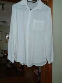 white long-sleeved cardigan Coquitlam, V3J 2Y7