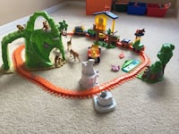 plastic train with rails and animals toy set Kissimmee, 34741