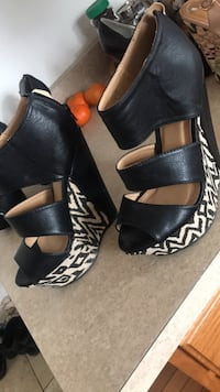 Sz 7 like new wedges  Rochester, 14606