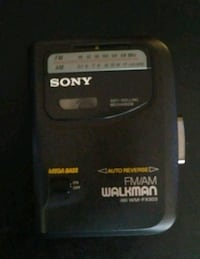*VINTAGE* 1980's Sony Walkman Chesapeake, 23320
