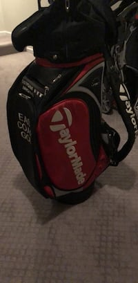 Black and red Taylor Made Golf Tour Bag Brunswick, 21716