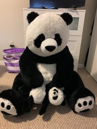 Oversized Panda with baby  Barrie, L4N 7B1