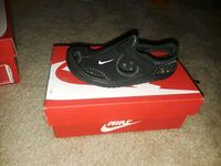 black and red Nike shoe with box Silver Spring, 20904