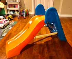 Plastic Slide for Kids Good Conditions