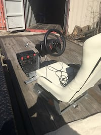 White and black gamer chair Liberty Twp, 45011