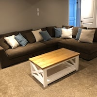 Brown sectional sofa, new condition  New Tecumseth, L9R