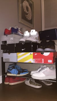 Nike shoe lot size 10.5-11