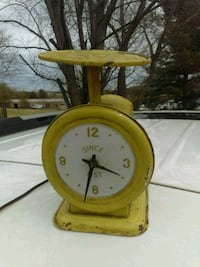 Antique Electric Clock Mount Airy, 21771