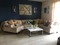 Haverty's  Sectional Sofa Laurel