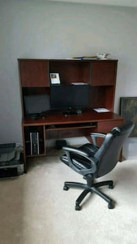 Office desk and chair Vaughan