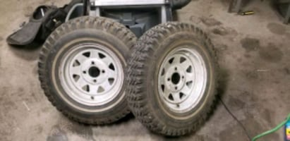 Lawn tractor wheels/tires