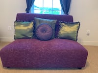 Purple loveseat  Herndon, 20171