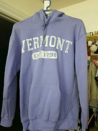 Vermont hoodie size Small  Montreal