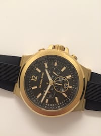 round gold chronograph watch with black rubber strap Mc Lean, 22102