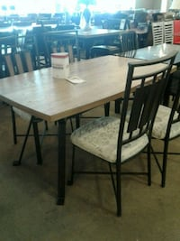 Wood dining table with four chairs Phoenix, 85018