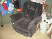 Brown LazyBoy , with swivel hardly used Omaha