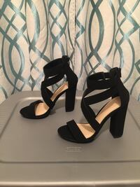 Charlotte Russe Wedges, size 8  Broussard