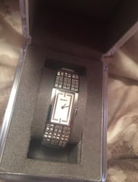 DKNY watch London, N5Z 5C2