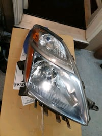 2008. Toyota prius front right headlight h4 bulb OEM Kitchener, N2R 1Y6