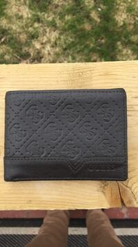 Guess wallet  Vernon, V1T 6W8