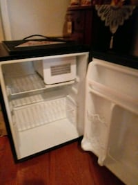 Mini fridge brand new Alexandria, 22304