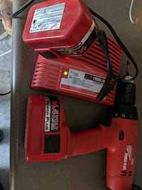Milwaukee drill 2 batteries and charger Omaha, 68138