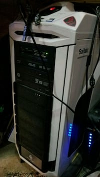 GAMING PC COMPUTER complete with controllers  Lake Elsinore, 92530