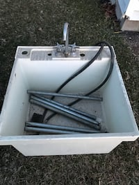 White shop sink with faucet & legs Ogden, 84401