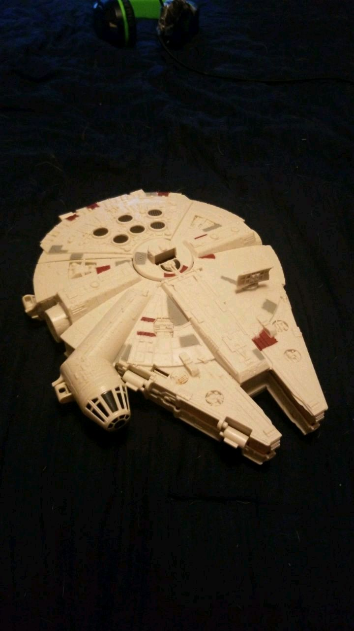Photo STAR WARS Milianan falcon ship open up and everything(read descriptio