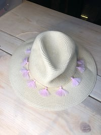 Gorgeous Beach Hat Vancouver, V6B 1T2