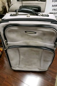 KENNETH COLE SUITCASE LG Cheverly, 20785