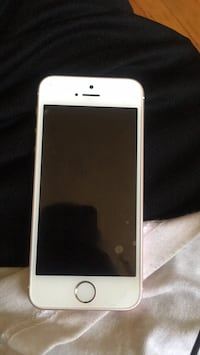 white iPhone 5 with case Arlington Heights, 60005