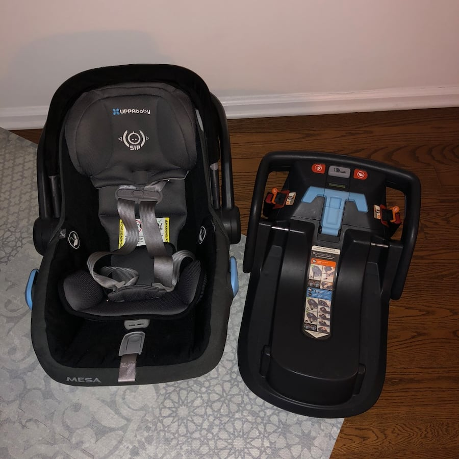 Uppababy Mesa car seat with base (Tribeca manhattan)  Expires Oct 2022