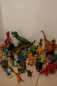 DINOSAURS !!!(,exact cash only)
