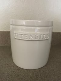 white and gray plastic container Jacksonville, 28543