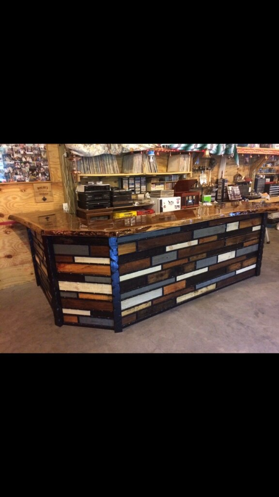 Photo MUST SEE !! This Unique Custom made Bar !!