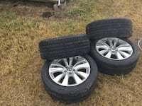 2011 Infiniti m37 rims and tires in good condition