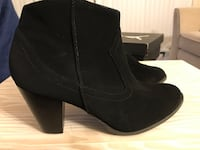 pair of black faux suede booties Alexandria, 22311