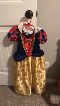 snow white costume  5-7yo Cheyenne, 82007