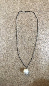 silver-colored chain necklace Chalfont, 18914