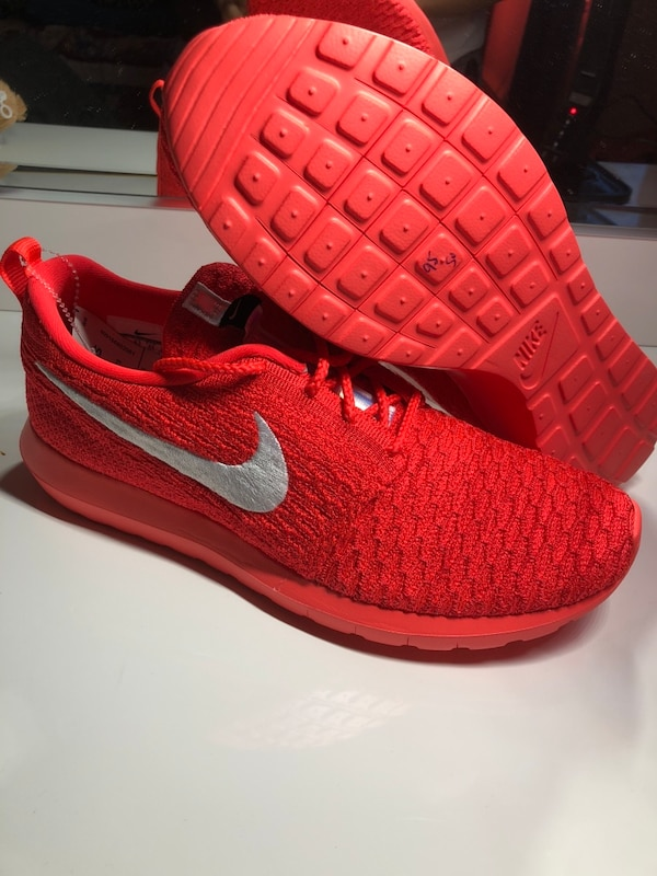 2f04a5422efb Used Nike roshe run flyknit size 9.5 brand new for sale in Brockway ...