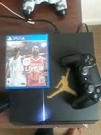 ps4 with NBA live18 and 1 controller  LaGrange, 30240