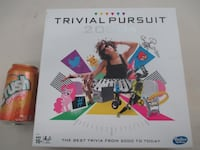 TRIVIAL PURSUIT 2000s Edition Board Game by Hasbro BRAND NEW Montréal
