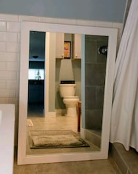 white wooden framed mirror Pasadena, 91105
