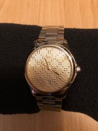 GUCCI Watch Swiss Made gold tone stainless steel bracelet $1250 obo Vancouver, V5R 5J4