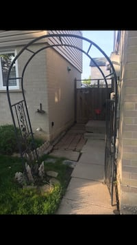 """Free patio stones 24""""x30"""" approximately 10. And some red bricks Brampton, L6S 2N6"""