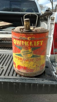 Old oil cans Moorhead