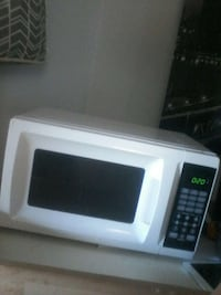 white and black microwave oven Woodbridge, 22192