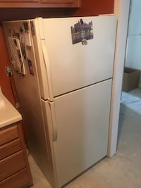 white top-mount refrigerator Hampton, 23666