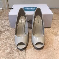 pair of white leather peep-toe pumps Toronto, M9A 4B3